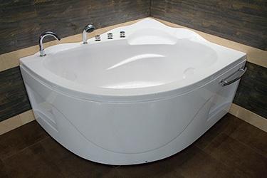 Box doccia Italia: Vasca semicircolare ad angolo cm 110x142 h 67